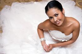 Wedding Dress Specialist Glen Ellyn